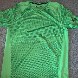 Green under armour shirt - Size M